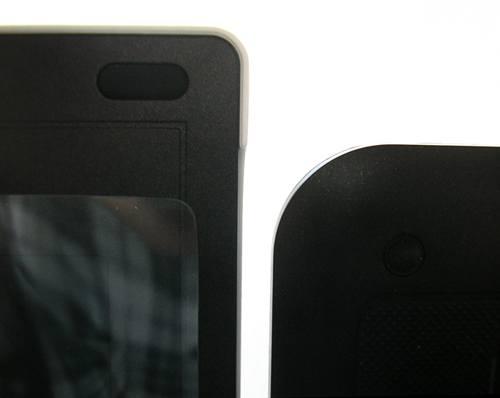 Fujitsu Amilo Mini Ui 3520 (слева) и MSI Wind U90 (справа) - высота