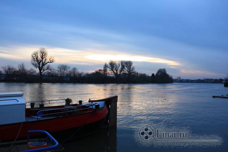 закат на берегу Темзы
