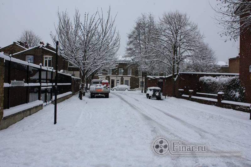 Лондонский снегопад 2009 - город замер